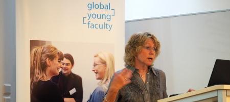 Die DFG, der Forschungsantrag, die Exzellenzstrategie –  das Expertengespräch mit Frau Dr. Beate Konze-Thomas