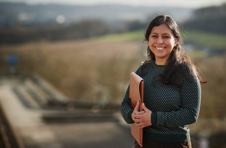 Portrait über GYF-Mitglied Dr. Abigail Nieves Delgado im Magazin AufRuhr – Die Philosophin fragt: Wer ist das Ich im Internet?